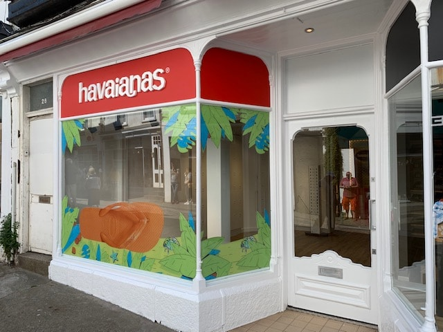 External Decoration to Shopfront